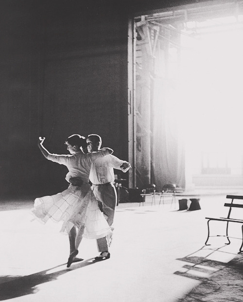 darlingaudreyhepburn:  Audrey Hepburn and Fred Astaire