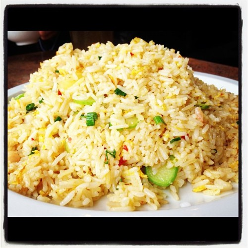 Seafood fried rice! #iphonesia #instagram #iphone #food #yummy #friedrice #seafood (Taken with instagram)
