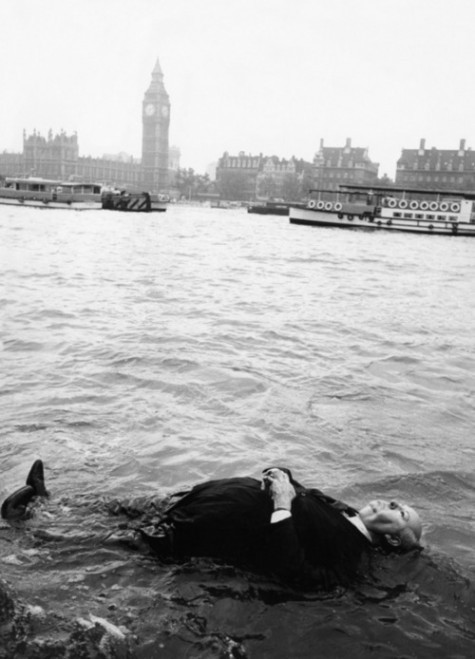 Alfred Hitchcock dummy floating in the River Thames for Frenzy trailer, 1972