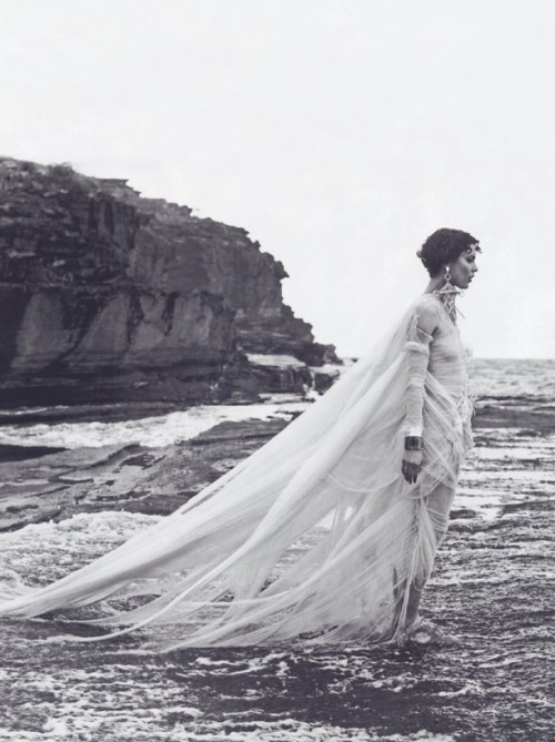 """Swept Away"" Elle, May 2008 photographer: Matthew Brookes Shalom Harlow // thedoppelganger:petrole"