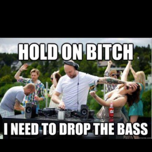 Got to love this, you never distract the DJ when he's in the zone lol #owned #lol #lmfao #joke #jj #igdaily #instaaddicted #igaddict #instagramer #funny #funnyshit #fail #dj (Taken with instagram)