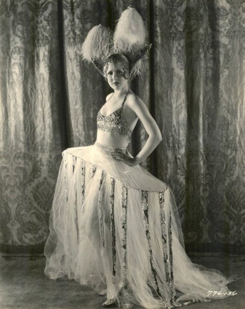 "sisterwolf:  Chorus Girl ""Pointed Heels"" – Photo by Hendrickson, 1929"