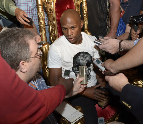 Floyd Mayweather being interviewed by the media