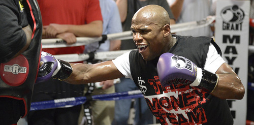 Floyd Mayweather preparing for Miguel Cotto