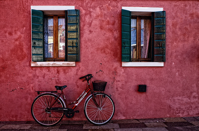 Burano by Zú Sánchez. EnVeneciaDo on Flickr.