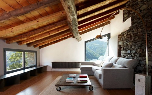 homeandinteriors:  Girona-based studio Ferran López Roca Arquitectura has turned this old stone farm into a contemporary single family home in Vilallonga de Ter, a village in the province of Girona, Spain.  OH MY GAHHH