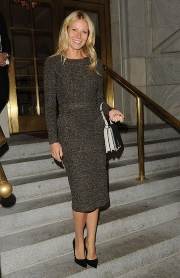 thesimplyluxuriouslife:  Gwyneth Paltrow wore Fall 2012 Burberry Prorsum