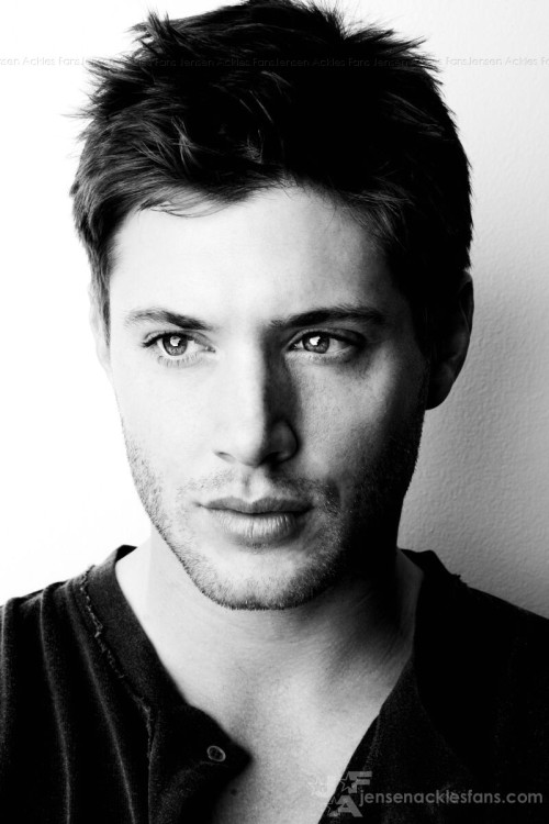Jensen Ackles and Mr. Supernatural numbero 2. so sexy. both of them. i could not even imagine the show without them both. i think i just convinced myself to start watching again.