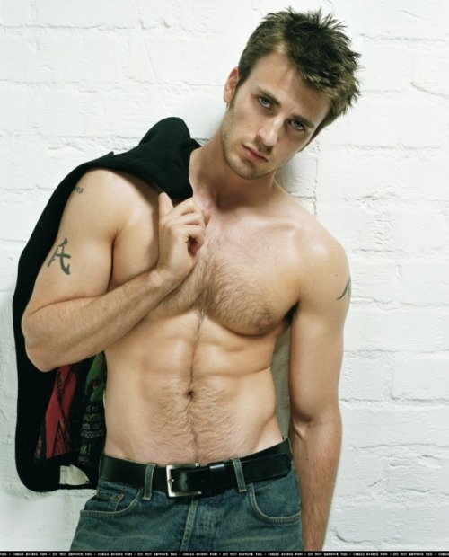 Chris Evans oh Captain America. you beautiful man. he has had the honour of playing two superheroes from my knowledge and both have been well done to say the least. he's so funny & he's sexy & he's talented. i'm always thoroughly impressed by him.