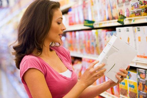 3 TIPS FOR READING FOOD LABELS  Look at more than calories: When it comes to losing weight, you've probably grown accustomed to checking the calorie counts, but remember that this number isn't everything. Many healthy foods (like quinoa) tend to be higher in calories; likewise, a food that's low in calories may contain a lot of sodium or saturated fat. Read through every part of the label to get the full picture, and then make the decision if you're going to eat it. Compare apples to apples: You have two boxes of crackers in your hands and quickly see that one contains 220 calories per serving, while the other is only 140. Before you choose the box with fewer calories, double-check to make sure you're comparing equal serving sizes. Also take a look to see how the nutritional content compares. Read, and reread: There are certain foods you feel confident placing in your cart because you've previously read through the labels. Play it safe by checking the label again every month, just to make sure the company hasn't changed or added ingredients without you knowing; the whole-grain pretzels I used to buy are now sadly made with enriched flour.