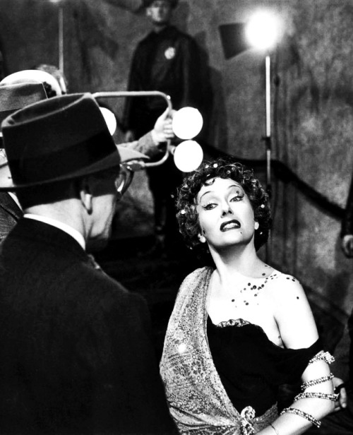 The Most Iconic Images in the Film History:  Sunset Boulevard, by Billy Wilder (1950)