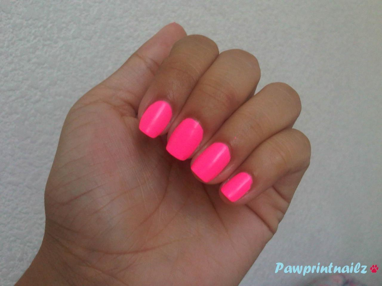 Short square; hot pink. Materials: Sinful Colors (Hot Pink). Neon nails are sunshine nails. The only problem with this polish? Chip galore. Other than that, it's as perfect as a neon pink can get.