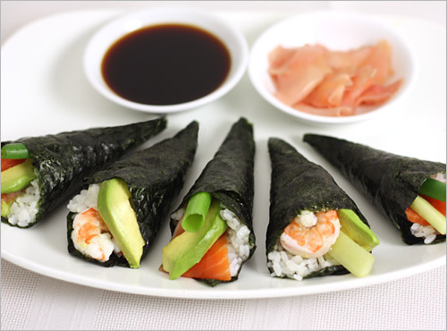fyeahnomnoms:  Sushi hand rolls (Temaki-zushi) by ric_w on Flickr.