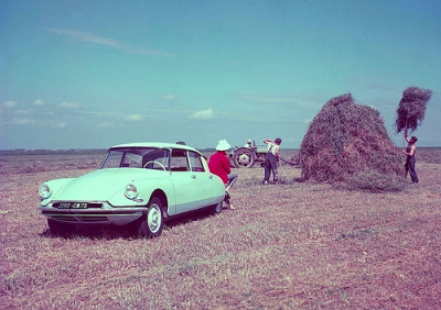 The harvest is gone Starring: Citroën ID 19 (by Auto Clasico)