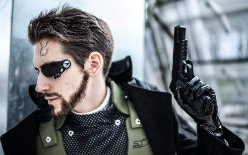 Adam Jensen from Deus Ex: Human Revolution  Cosplayer: ViderosPhotographer: Andy-K