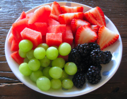 1healthyhappyfitnessblog:  Click this for healthy food, fitness and weighloss pictures ect.. everyday!! :)