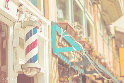 savvydarling:  Barber Shop by JoyHey on Flickr.