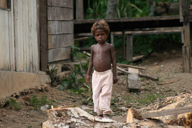Child in Irian Jaya - Indonesia. by cookiesound on Flickr.
