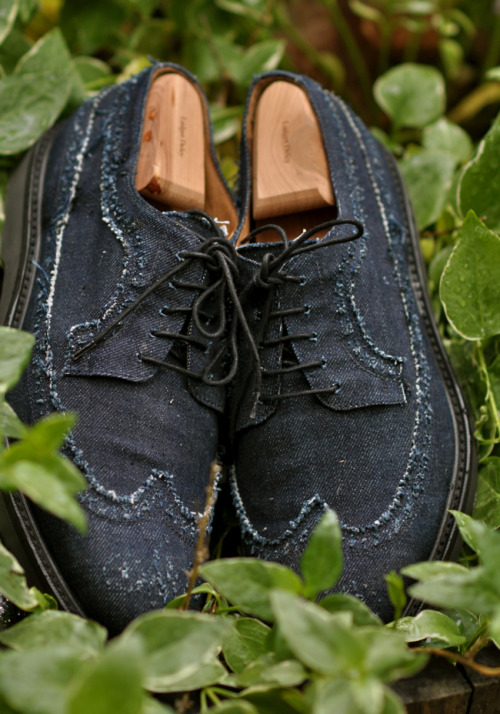 beingjared:  Loving the worn look of these denim brogues. {Paul Smith via dapperlou}