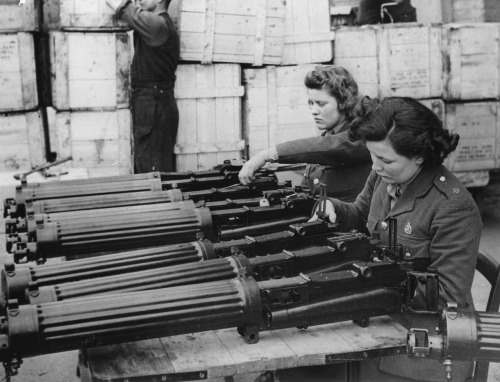 WWII British Lewis Machine Gun Construction oldsparky:  Women in the military department of the British Army, ca. 1941.