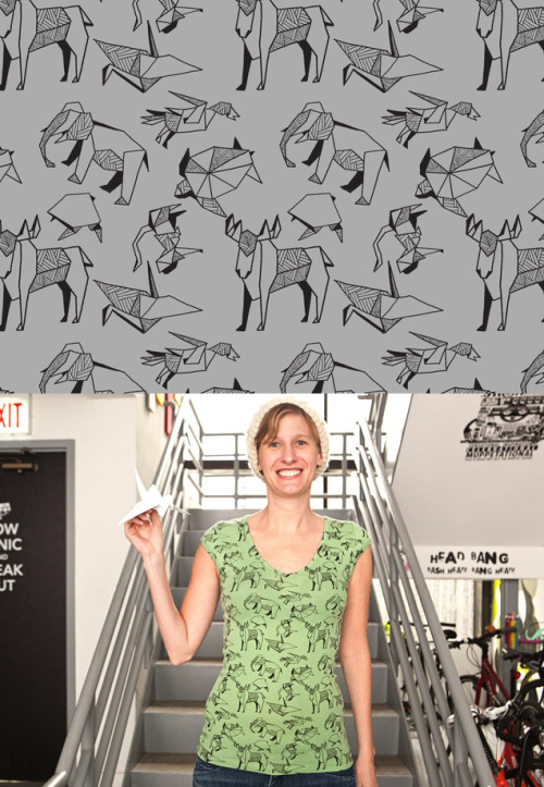 threadless:  Meow! Moo! Arf! Roar! Tee! Paper Zoo by Katerina Manor is today's new tee!   ¡¡ESTA ES LA CAMISETA PERFECTA PARA MÍ!!