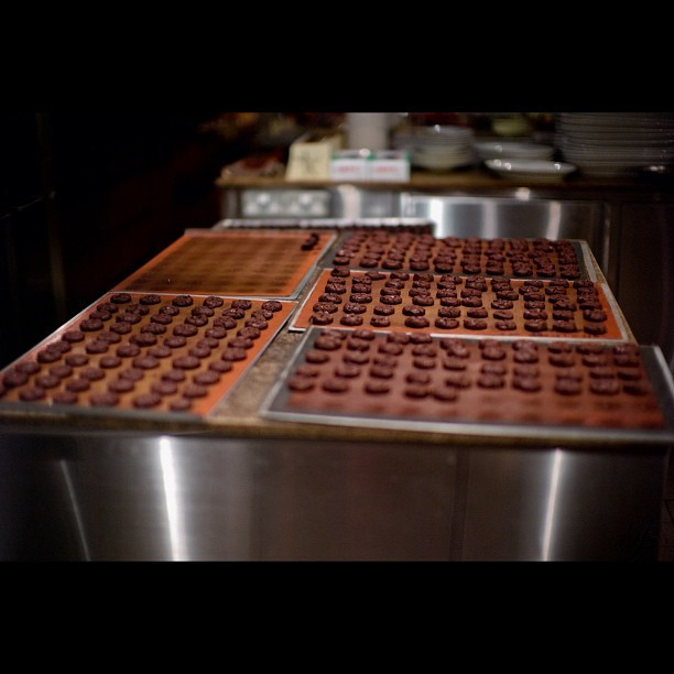 #Grand #Hyatt #Singapore #cookie #baking #leica #m9 - by the #hundreds #awesome  (Taken with instagram)