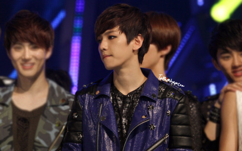 120503 MNET MCountdown OMG Baekhyun oppa….T___T cr: tobaekhyunPlease DO NOT EDIT, TAKE WITH FULL CREDITS