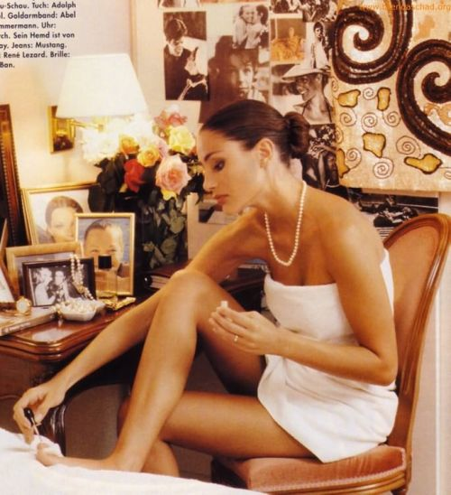 Vogue Germany, January 1992Model : Brenda Schad ( Source : brendaschad.org )
