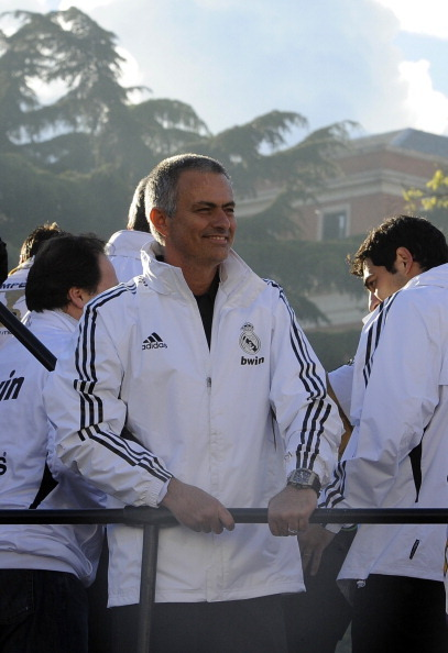 THIS IS THE FIRST TIME I'VE SEEN MOU SMILE!