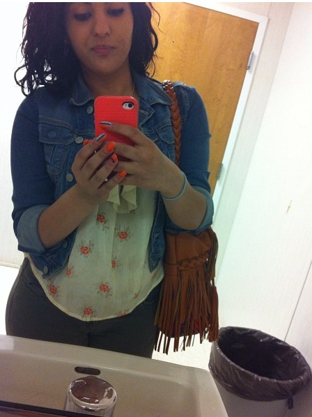 What I do when I go to the Bathroom!! See how good I look, Then take pictures!