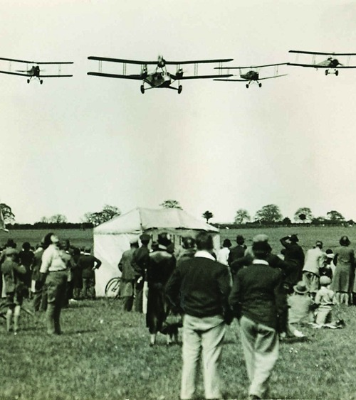 Alan Cobham's Flying Circus, 1931 (via)