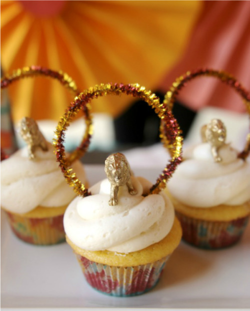 Ring of Fire Cupcakes. Click here for the how-to!