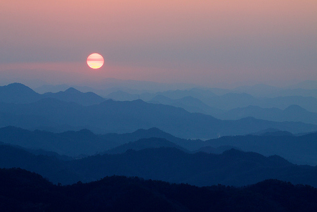 mountain sunrise in Motosu by StephenCairns on Flickr.