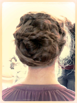 This is Hannah, a girl in my poetry class and her amazingly interesting up-do from a couple days ago. It's part bun, part braid and all cool.