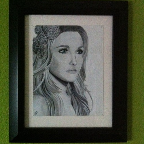 Hayden Panettiere painting I did in 2010. All done in black, white, grey except for the eyes which are light turquoise.