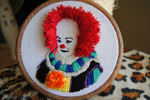 I LOVE THIS SO MUCH. beefranck:  Pennywise (by Drop Dead Quirky)