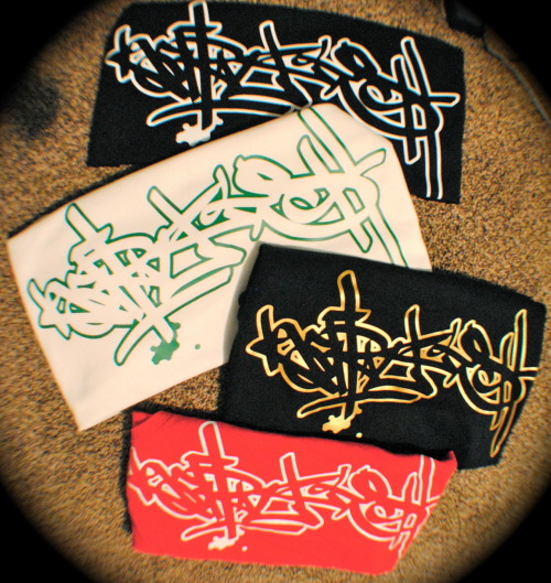 KAPITAL KUSH : HANDSTYLE TEES AND TANKS : AVAILABLE IN OUR WEBSTORE AVAILABLE IN, BLACK/GOLD : BLACK/WHITE : BLACK/YELLOW RED/WHITE WHITE/GREEN : WHITE/RED : WHITE/BLACK