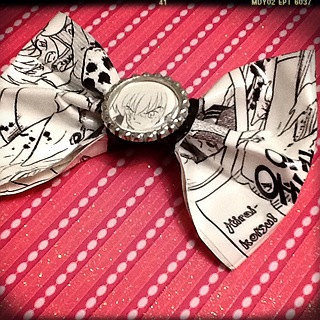 InuYasha Manga Hair Bow Original Geekery FREE USA SHIPPING Available here: http://www.etsy.com/listing/97252668/inuyasha-manga-hair-bow-original-geekery