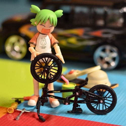 🚲😍 #toys #toyrevolution #toycrewbuddies #iphonesia #photooftheday #igers #igerspinoy #revoltech #toybuddypicks #toyphotography #yotsuba #bike #bicycle #love (Taken with instagram)