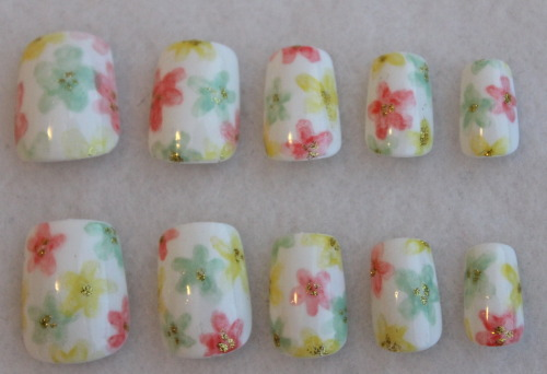 Soft watercolor flower nails