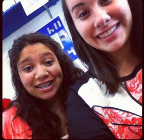 lesleyhenriquez:  we sit next to each other in Geometry. :)