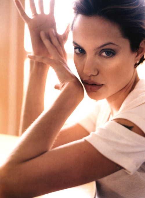 suicideblonde:  Angelina Jolie photographed by Cliff Watts in 2000