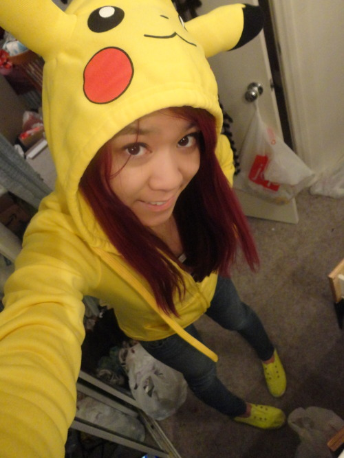 pikachu hoodie and yellow shoes ftw!