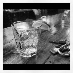 #gin #ginandtonic #drinks #lime #bar #glass #alcohol #all_shots #webstagram #instagood #ig_nesia #ignation #pub #portland #blackandwhite #thirsty #iphone4 (Taken with instagram)