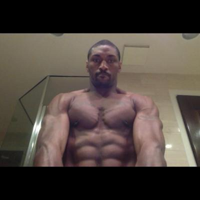 Fuck.  Just…fuck. nbaoffseason:  Metta World Peace looking like the Incredible Hulk