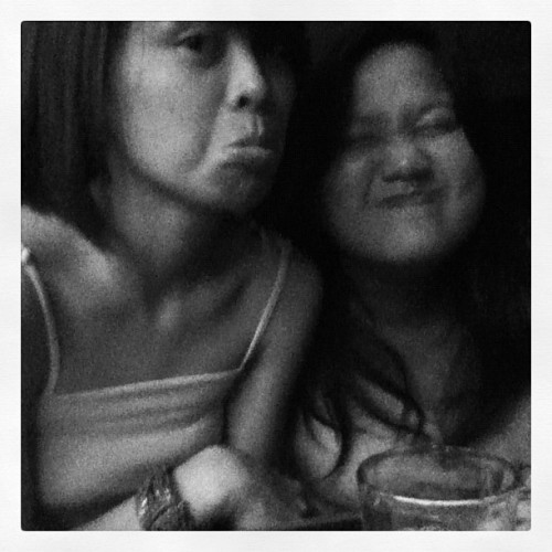 Smiiiiiiiile… :( With @heyynicholeyy… (Taken with Instagram at Moonsbar)