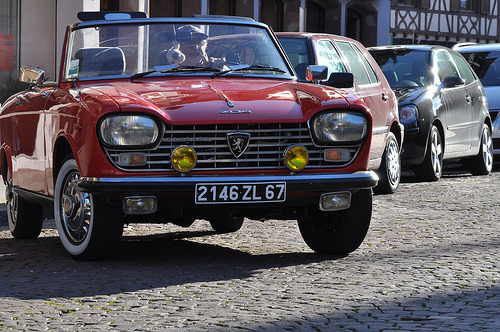 carpr0n:  My sweetheart Starring: Peugeot 204 (by Budogirl73)