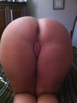 dickbeetahsbooties:  looks good enough to eat.