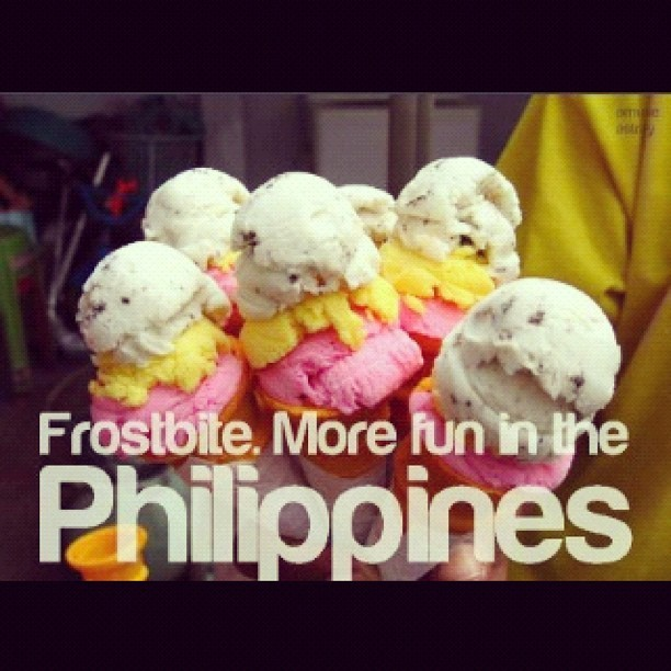 "05/04/12- FUN! •Yes, it's more FUN in the Philippines when you have these dirty ice creams under the sun. Mehe. :""""""> #photoadaymay #photoadaymay4 #dot #itsmorefuninthephiippines #dirty #ice cream #asian #filipino (Taken with instagram)"