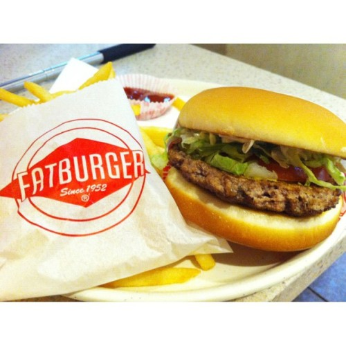 Fat Burger 🍔🍟 #food #burger #fatburger  (Taken with instagram)